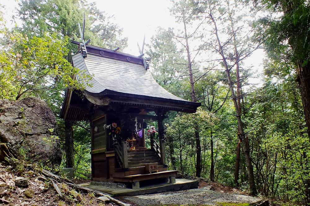 桂川渓谷最奥にある乙姫神社