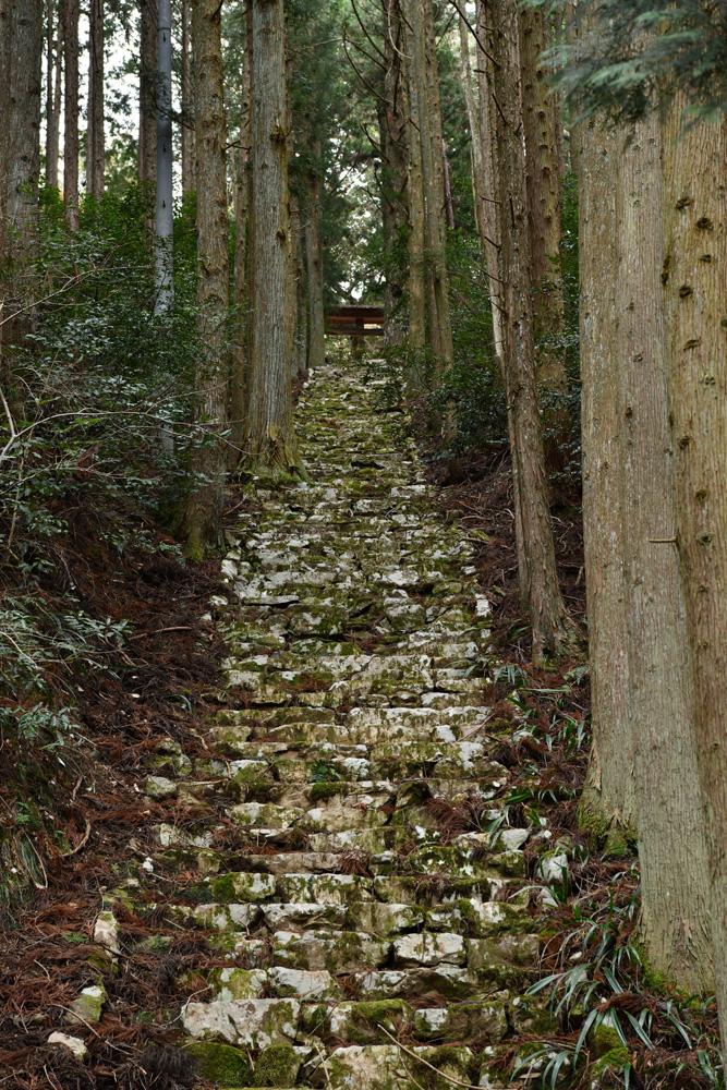 三滝神社への階段