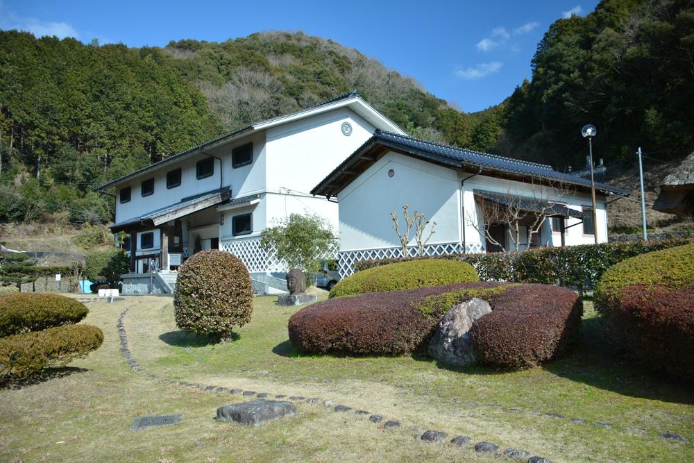 城川歴史民俗資料館の外観
