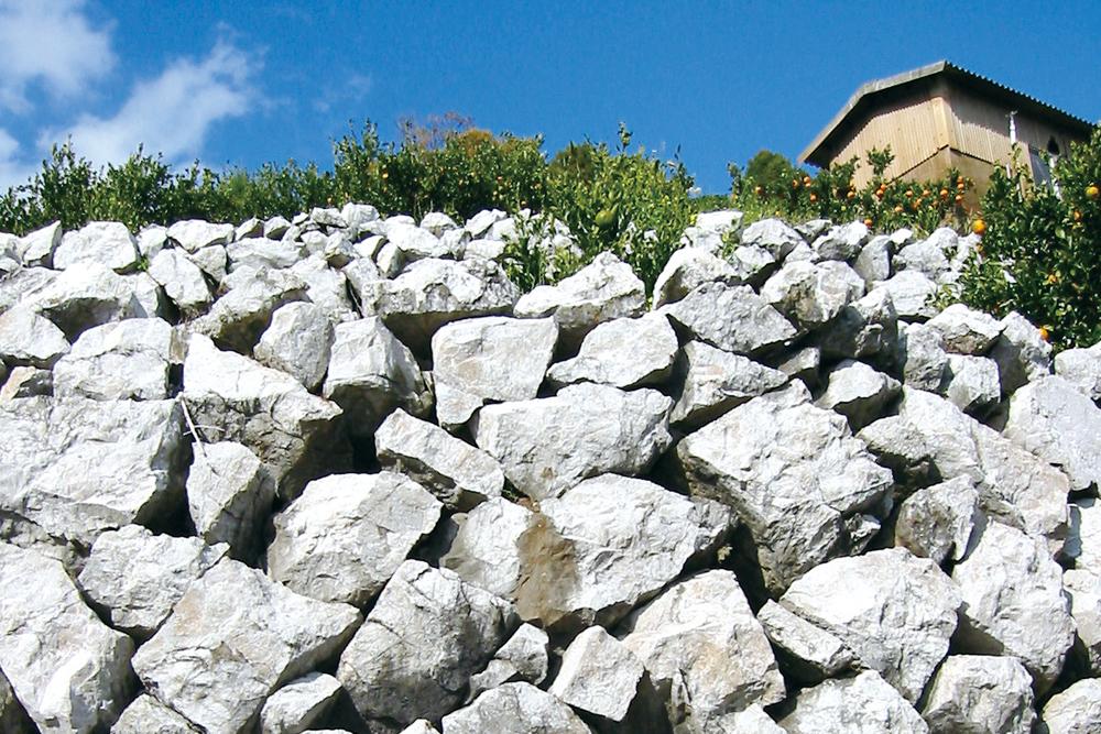 石灰岩の段々畑