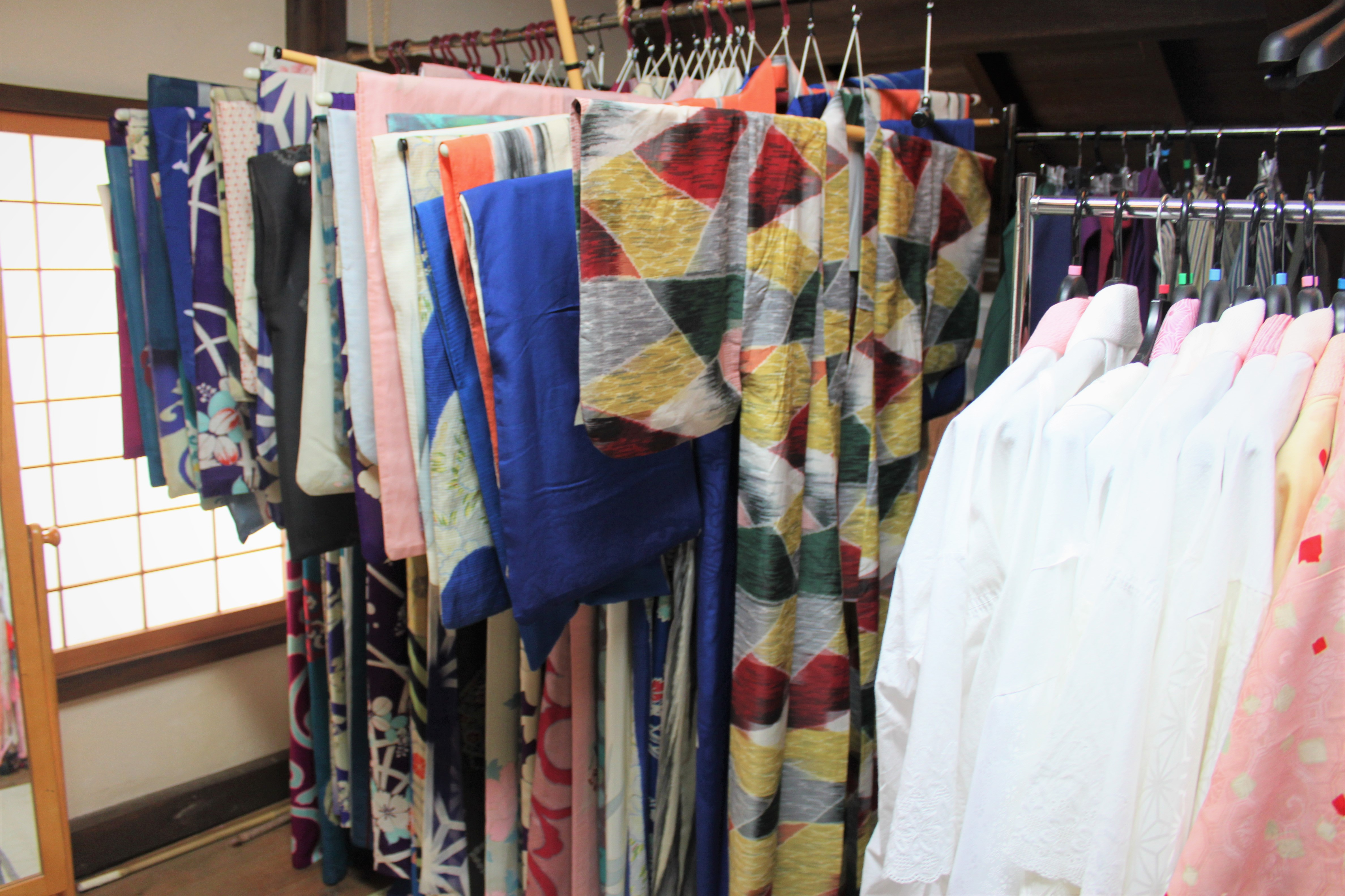 たくさんの着物から選べます