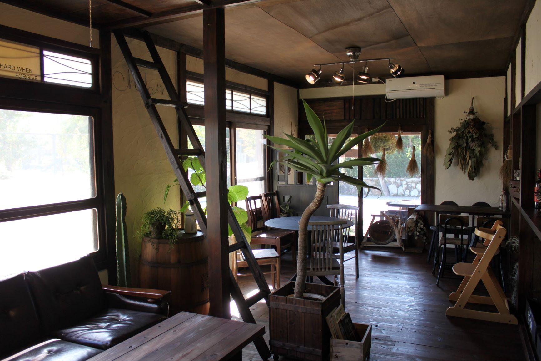 古民家をリノベーションしたあたたかみのあるカフェ