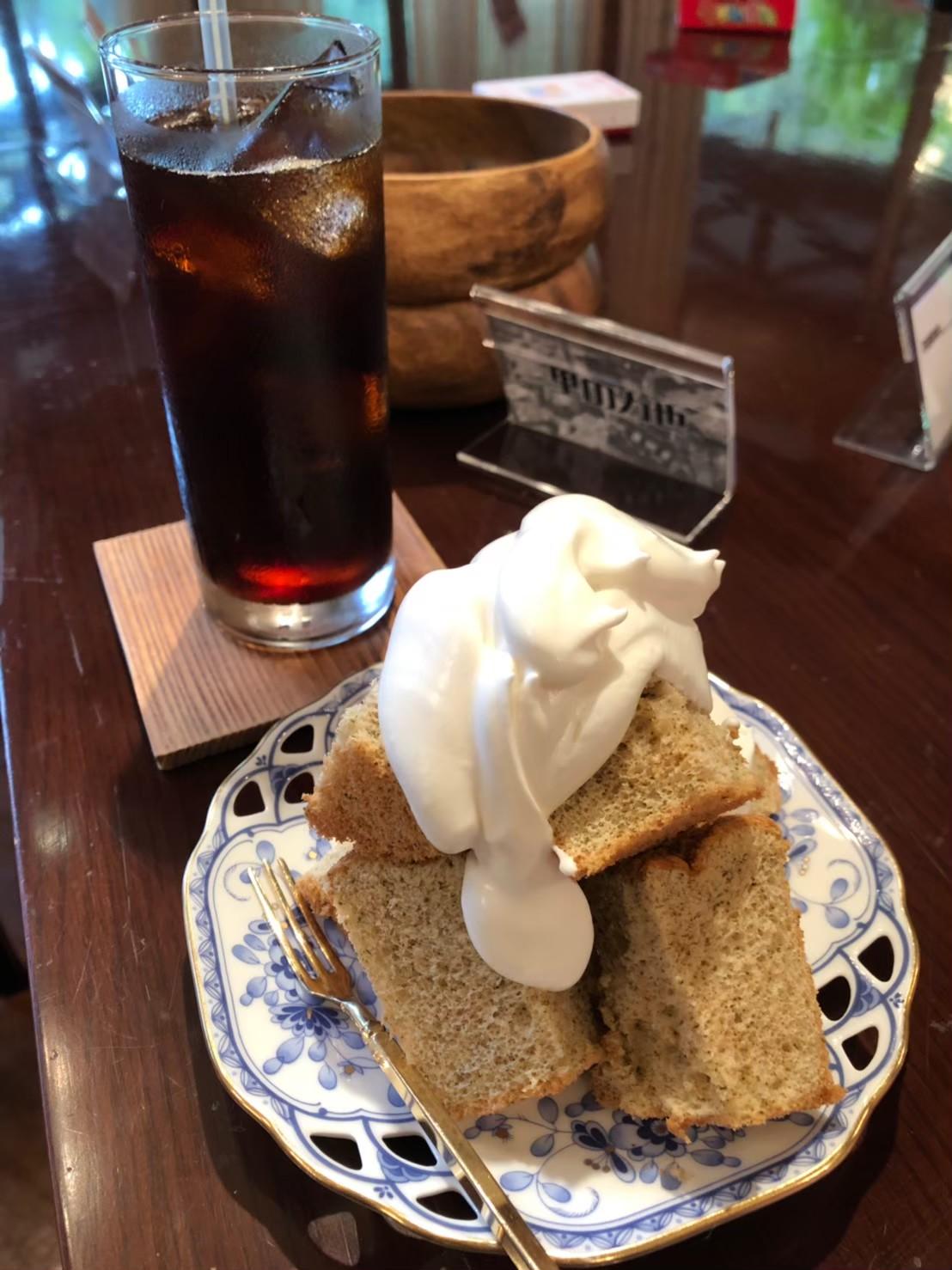喫茶メニュー アイスコーヒーと栗茶シフォン